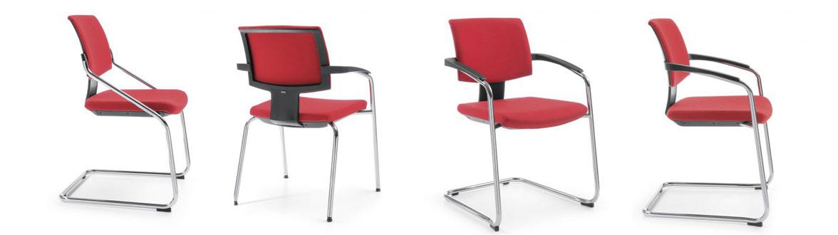 со временем стулья заменяют на офисные кресла. Стулья АКЛАС